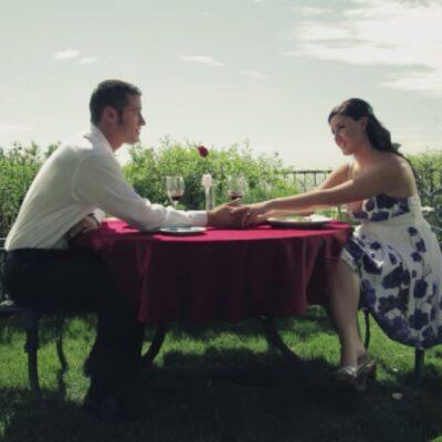 Stel heeft romantisch diner